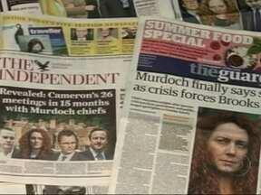 Grampos ilegais levam jornalistas a julgamento na Inglaterra - Repórteres, detetives e diretores do tablóide sensacionalista News of the World serão julgados por espionar 600 pessoas, a maioria celebridades como os atores Hugh Grant, Brad Pitt e Angelina Jolie.