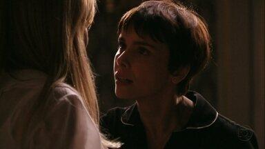 Nina ameaça Carminha - A megera tenta comprar a cozinheira, que reage com ironia