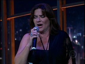 Marina Mota canta para a plateia do Jô - A atriz portuguesa mostra que além de atuar, também tem uma bela voz