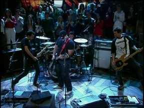 Raimundos tocam pela primeira vez música do Ultraje a Rigor na TV - Banda mostra uma das faixas que fazem parte de seu novo projeto
