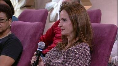 Andrea fala da preocupação com o que as filhas fazem na internet - Ela negocia o uso da tecnologia com as meninas