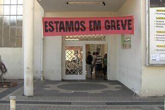 Servidores do Instituto Federal de Goiás entram em greve - A paralisação foi decretada nesta segunda-feira (6) e já prejudica quase 6 mil alunos em Goiânia e 600 em Luziânia, no Entorno do DF. Os funcionários reivindicam melhorias salariais de 22%.