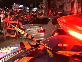 Polícia identifica homem assassinado dentro de carro de luxo no Rio - O crime aconteceu na Rua 24 de maio, perto da estação de trem do Sampaio. Bruno Leandro da Silva, de 32 anos, dormia dentro de um carro de luxo, no começo da noite de terça-feira (8), quando foi morto a tiros por dois homens que passavam de moto.