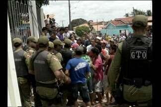 Crime em Aurora do Pará revolta população - Menino de 6 anos foi morto com um facão na manhã desta terça-feira (7). O corpo já está sendo velado na casa de familiares.