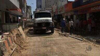 Motoristas reclamam das obras na Rua Barão do Rio Branco, em Fortaleza - Confira os detalhes com a repórter Aline Oliveira.