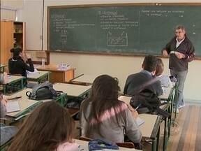 Governo de SC abre concurso público para 2 mil professores efetivos, mas é insuficiente - Governo de SC abre concurso público para 2 mil professores efetivos, mas é insuficiente