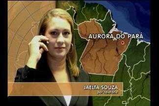 Menino assassinado em Aurora do Pará foi enterrado nesta quarta-feira (8) - O corpo do menino de 6 anos, assassinado por uma vizinha, foi enterrado nesta quarta-feira (8) em Aurora do Pará