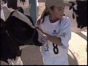 Clube da Bezerra foi atração de hoje cedo da Agroleite, em Castro - Concurso incentiva a participação das crianças e os cuidados com os animais