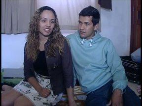 Noiva dá força para o noivo, jogador em busca de um clube - Casal se conheceu em Campo Mourão. Internet uniu os dois quando ele foi jogar na Bulgária.