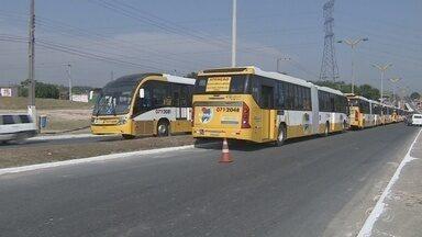 Manaus recebe 85 ônibus adaptados ao sistema de transporte BRT - Novos ônibus atenderão moradores das Zonas Leste e Norte de Manaus. Investimento de R$ 320 milhões beneficiará dez empresas de transporte.