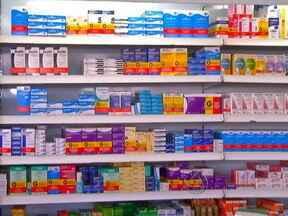 Aumento na procura por remédios genéricos em Mato Grosso - A distribuição em farmácias populares é uma das razões para esse aumento nas vendas. Mas o preço é, sem dúvida, o principal atrativo para o consumo.