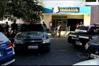 Policiais esperam até 12 horas para registrar ocorrências no DPJ da Serra, ES - Grande volume de ocorrências causou demora no local. Polícia Civil reconheceu que movimento é grande no fim de semana.