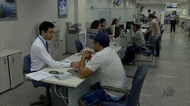 Bancos e financeiras oferecem pacotes para o cliente antecipar o 13º salário - Saiba em que situação vale a pena fazer esse tipo de empréstimo.