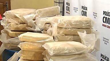 Polícia Civil apreende 226 quilos de maconha em Governador Valadares - Segundo a corporação, foi a maior apreensão dos últimos oito anos na cidade.