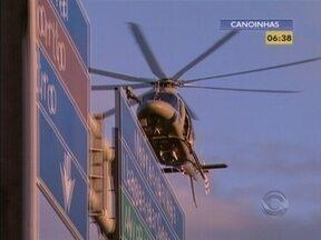 Perseguição policial fecha ponte Colombo Salles, na Capital - A perseguição foi por terra e ar.