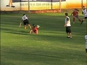 Meninas do Foz Futebol estreiam domingo no Campeoanto Paranaense - Elas enfrentam o Açai no estádio Pedro Basso