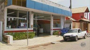 Bandidos explodem caixa eletrônico dentro de supermercado em Careaçu (MG) - Bandidos explodem caixa eletrônico dentro de supermercado em Careaçu (MG)