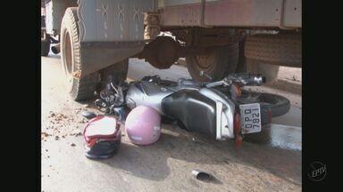 Acidente com ônibus deixa dois feridos em Poços de Caldas (MG) - Acidente com ônibus deixa dois feridos em Poços de Caldas (MG)