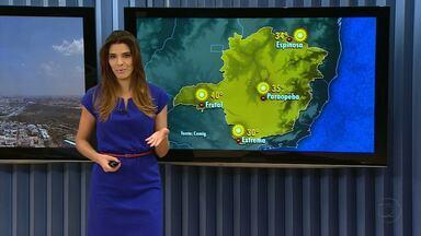 Região Metropolitana de Belo Horizonte tem alerta de baixa umidade - Belo Horizonte registrou nesta segunda-feira o dia mais quente do inverno. A temperatura máxima chegou a 32,4 graus.