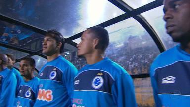 Cruzeiro terá time diferente contra o Figueirense - Nesta quarta-feira, Celso Roth colocará, mais uma vez, um time diferente para começar o jogo. Em 23 rodadas, o técnico nunca repetiu uma escalação.