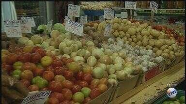 Alimentos são principais responsáveis por inflação em agosto em Ribeirão Preto, SP - Clima prejudicou produção e causou aumento nos preços dos alimentos.