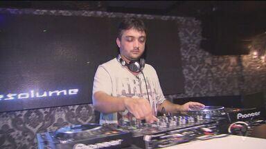 Curso de DJ em Guarujá ensina a arte de animar festas - Animação pode virar profissão e renda para interessados.
