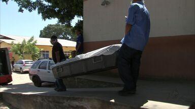 Homem é encontrado morto dentro de cela - Polícia investiga causas da morte.