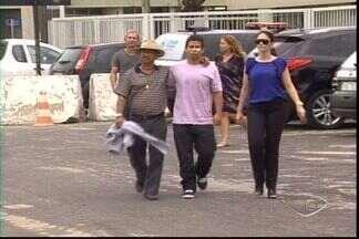 Polícia vai reconstituir crime de jovem morta em Linhares, no ES - Jovem morreu com um tiro na boca.