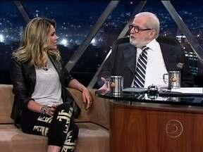 Jô recebe a atriz Flávia Alessandra - No bate-papo, ela conta como está a preparação para a próxima novela das nove.
