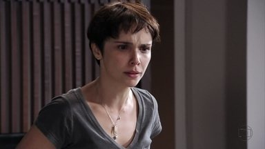 Nina descobre intenção da armação de Max e Carminha - Jorginho acredita que pode convencer Tufão de que Carminha está mentindo