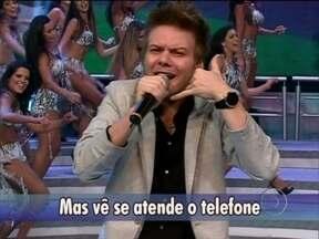 Michel Teló canta sucesso no palco do Domingão - Cantor apresenta 'Humilde residência', sucesso em Avenida Brasil