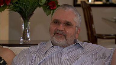 TV Verdes Mares homenageia Roberto Gurgel com o troféu Sereia de Ouro - Roberto Gurgel é Procurador Geral da República.