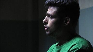 Avenida Brasil - Capítulo de terça-feira, dia 25/09/2012, na íntegra - Jorginho conta para Tufão que é filho de Max