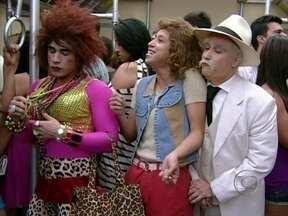Valéria e Janete encontram com Coronel Belmiro - Babuína e bandida só arrumam confusão com o coronel
