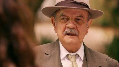 Coronel Ribeirinho tenta seduzir Gabriela - Ela rejeita a investida do senhor