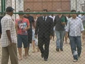 Músicos acusados de estuprar duas adolescentes já estão em Salvador - Eles foram liberados na última quarta, depois de ficarem presos por 38 dias em Feira de Santana.
