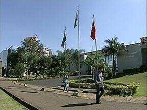 Renovação na Câmara de Vereadoes de Londrina chega a 58% das cadeiras - Alguns candidatos foram punidos nas urnas pela onda de denúncias de corrupção na Câmara.