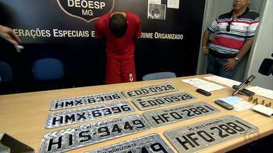 Preso homem suspeito de fazer parte de quadrilha de roubo de cargas em MG e ES - Outro suspeito, de 20 anos, está foragido.