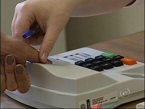 Sistema biométrico é usado pela primeira vez nas eleições de Jundiaí, SP e Itupeva, SP - Apesar de alguns atrasos na implementação, a estreia do sistema biométrico foi tranquila em Jundiaí (SP) e Itupeva (SP). O uso do sistema, traz mais segurança no momento da votação.