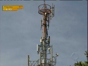 Clientes da Tim voltam a ficar sem sinal em Curitiba - De acordo com a Tim, ventos teriam mexido com antenas e causado queda no sinal.