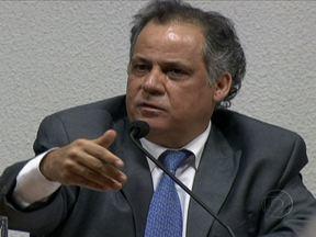 CPI do Cachoeira é retomada com depoimento de Carlos Alberto Leréia - Leréia é suspeito de envolvimento com o bicheiro. Durante o depoimento, o deputado do PSDB-GO, reafirmou a amizade com Cachoeira e sua família e confirmou ter recebido R$ 120 mil de Carlinhos Cachoeira dizendo ser um empréstimo.