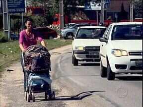 Obras na Rodovia da Uva estão abandonadas em Colombo - Moradores passam perigo quando precisam usar a rodovia