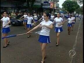 Campo Mourão comemora 65 anos - Mesmo com chuva moradores comemoram o aniversário da cidade