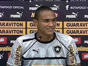 Renan está invicto há 23 jogos no gol do Botafogo - Glorioso enfrenta o Santos pela 29ª rodada do Brasileirão.
