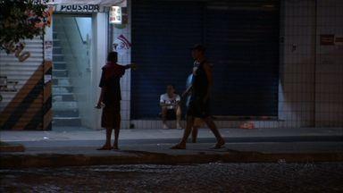 Moradores de Fortaleza denunciam abandono e assaltos na Praça da Estação - Segundo denúncia, local virou ponto de consumo de drogas.