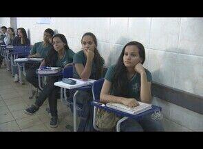 Estudantes de Porto Velho se preparam para a prova do Enem - As salas de aulas de cursinhos estão cheias. Com menos de um mês para aplicação das provas do Enem, estudantes rodobram a carga horária dos estudos.