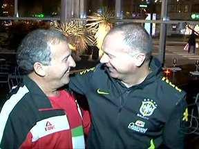 Seleção brasileira já está na Suécia para amistoso desta quinta (11) contra Iraque - A seleção já está na Suécia, o local do amistoso desta quinta-feira (11) contra o Iraque.Pela manhã, ainda na Polônia, Mano Menezes confirmou a equipe com o quarteto Neymar, Hulk, Oscar e Kaká.