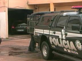 Cinco pessoas são presas em Uruguaiana, RS, por suspeita de abuso sexual a adolescentes - Duas mulheres e três homens foram presos pela Polícia Civil.