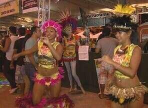 Feirinha do Tururi leva centenas de pessoas à Alameda do Samba, em Manaus - Alegria, animação e muita gente bonita movimentaram a feirinha do Tururi neste domingo (14) na Zona Centro-Oeste de Manaus.