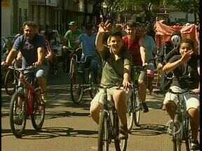 Passeio ciclístico comemora aniversário de Sarandi - No aniversário teve bolo de 31 metros
